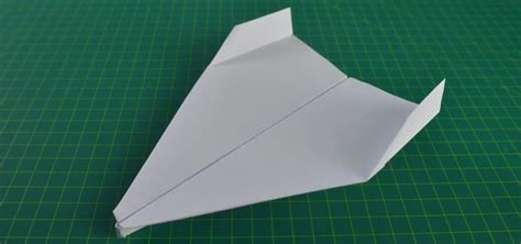 How To Make Paper Airplanes Fly Farther - how to make a paper airplane fly far and fast www