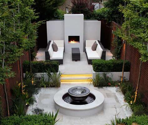 modern gardens  water features
