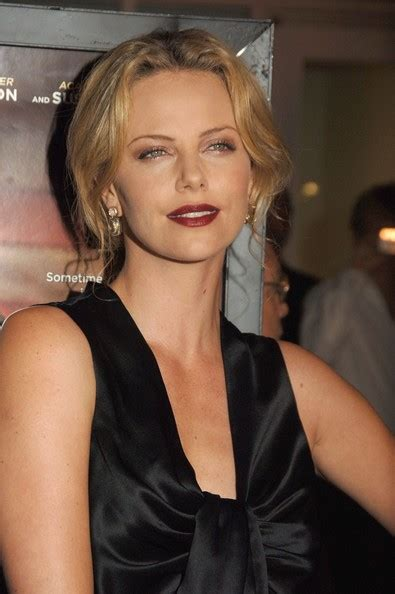 Whats Lipstick The Scoop On Charlize And Katharines Shades by Charlize Theron Photos Photos Los Angeles Premiere Of