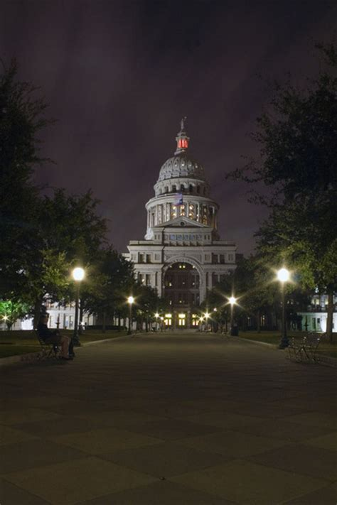 austin tx capital building  night photo picture image texas  city datacom