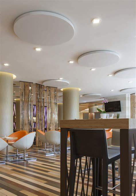pannelli fonoassorbenti da soffitto pannello fonoassorbente dot per laguna park hotel caruso