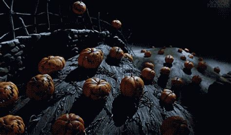scary animated halloween gifs tim burton halloween gif find share on giphy
