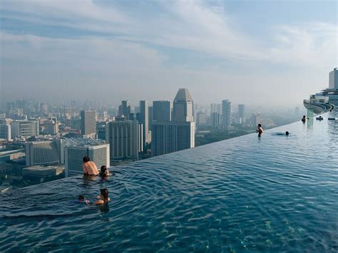 infinity pool death marina bay sands infinity pool singapore