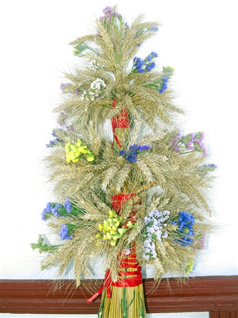 ukrainian christmas decorations didukh ukrainian decoration ukraine decoration ukraine and
