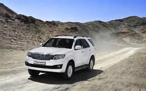toyota jeep 2016 comparison toyota fortuner 3 0 4x4 at 2015 vs jeep
