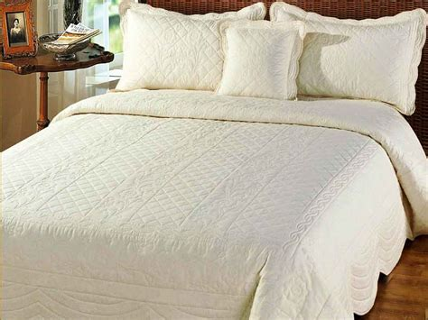 Quilted Bedspreads Superking Quilted Bedspreads From Linen Lace And Patchwork