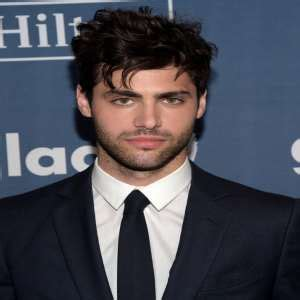 matthew daddario father matthew daddario birthday real name family age weight