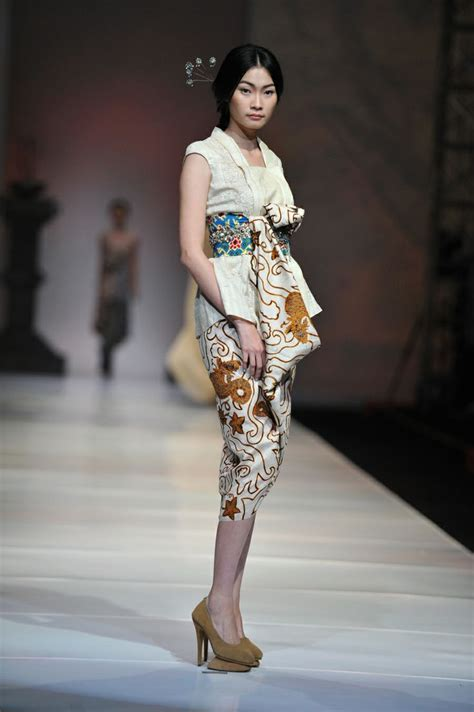 Modern Qibao 3 best 25 modern batik dress ideas on rok batik modern gaun batik modern and batik dress