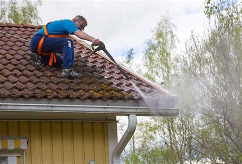 Best Way To Clean Siding And Gutters - the best way to clean gutters clean pro gutters