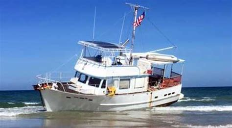 recreational trawler boats privately owned recreational trawler boat runs aground