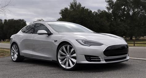 The Car Tesla Model S 100 000 Tesla Model S Sedan Named The Safest Car
