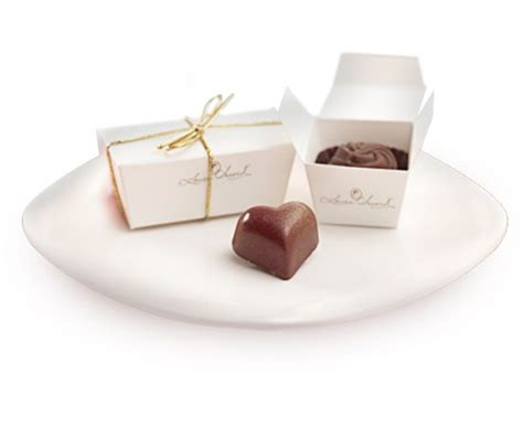 Wedding Bell Favours by Chocolate Wedding Favours Your Guests Will Weddingbells