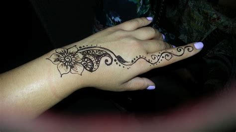elegant henna tattoos 20 photos henna artists