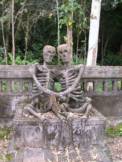 these 23 gravestones are creepy bizarre and
