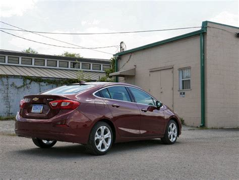 chevrolet cruze road test 2016 chevrolet cruze road test and review autobytel