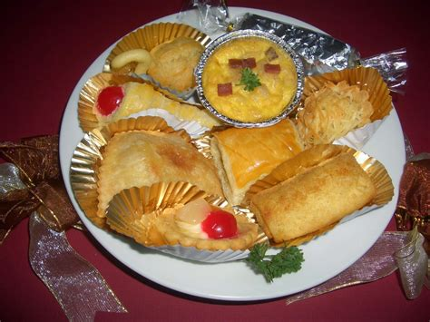 orchid cake aneka snack risolles soes ecllair pie buah ragout sucijsbrood roll tart