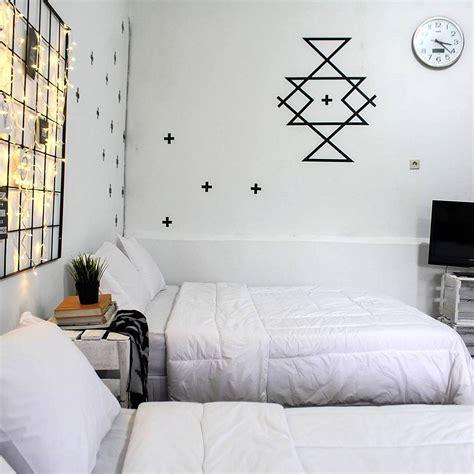 membuat hiasan dinding kamar sederhana desain ruang tamu hitam putih rumah xy