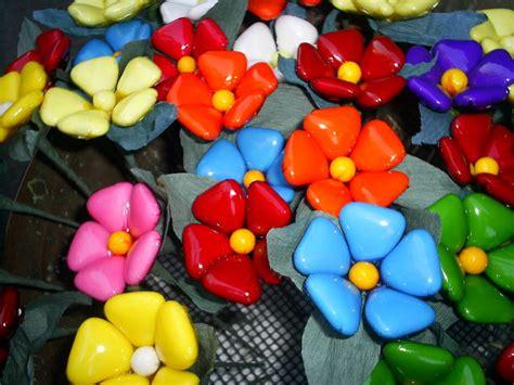 confetti a forma di fiore confetti di fiori foto immagini piante fiori e funghi