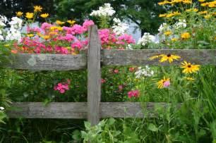 Flower Garden Fence 40 Beautiful Garden Fence Ideas