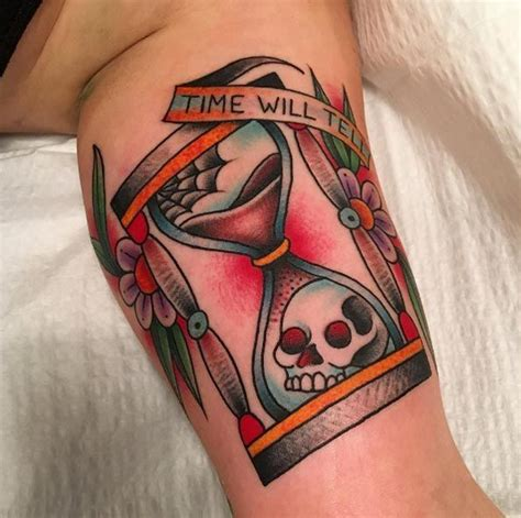 50 amazing hourglass tattoos and meanings tattoos on