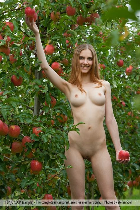Euro Babes Db Girl Nude In Orchard