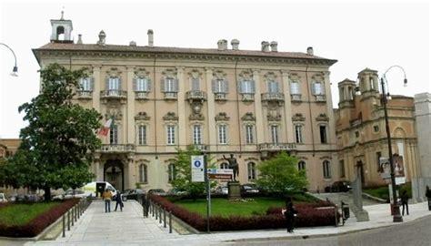 municipio di pavia pavia palazzo mezzabarba