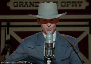 hank williams biopic i saw tom hiddleston and elizabeth get intimate in new trailer for hank williams biopic daily