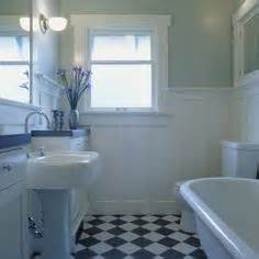 bungalow bathroom ideas 1000 images about bungalow bathrooms on