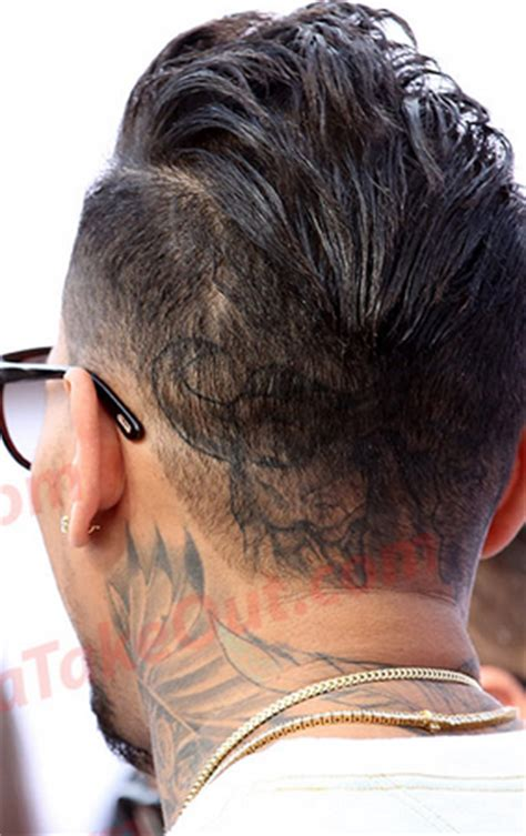 Chris Brown New Hairstyle by Check Out Chris Brown S New Hairstyle Here 9jaflaver