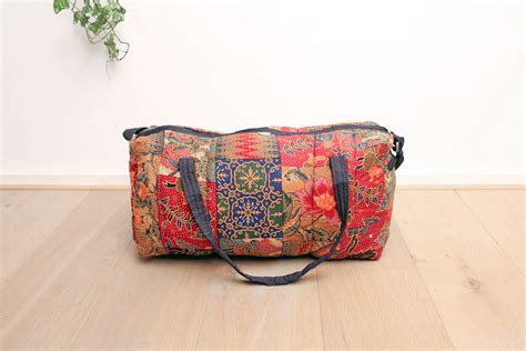 Tas Batik Vintage rode vintage batik reistas froufrou s
