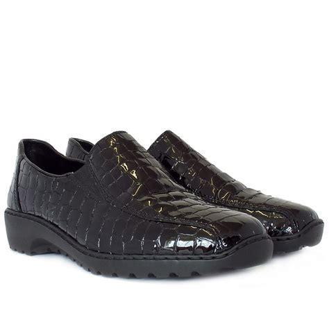 Crocodile Freed Casual Slip On rieker l6070 00 womens casual shoe black croc patent mozimo