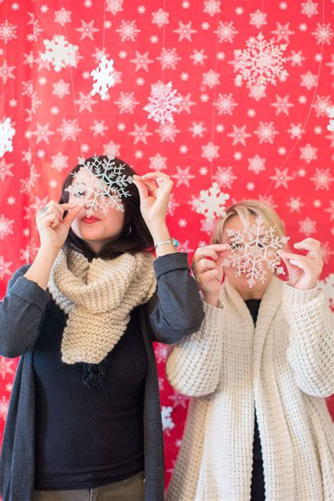 christmas photo booth ideas tis the season to smile 15 photo booth ideas brit co