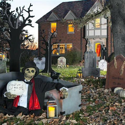 scary front yard decorations haunted outdoor decorations