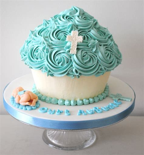 Miss Cupcakes» Blog Archive » Blue Christening Giant cupcake cake
