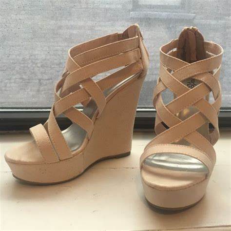 comfortable nude wedges best 25 bridesmaid shoes wedges ideas on pinterest