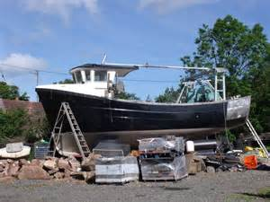 dry boat boat on dry dock 169 astrid h cc by sa 2 0 geograph