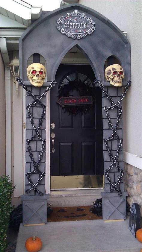 ideas halloween decorations door  warm