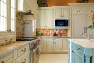Painting Wood Kitchen Cabinets White by Painting Wood Kitchen Cabinets White