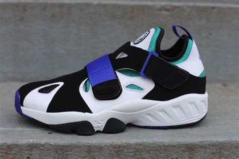 nike air huarache trainer 94 black volt sneaker freaker nike air trainer huarache 94 white lapis black sole