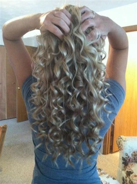 boomarang perm photos on long hair best 25 perm hair ideas on pinterest curly perm perms