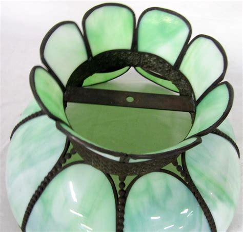 tiffany style l shades tiffany style l shade green slag glass tulip