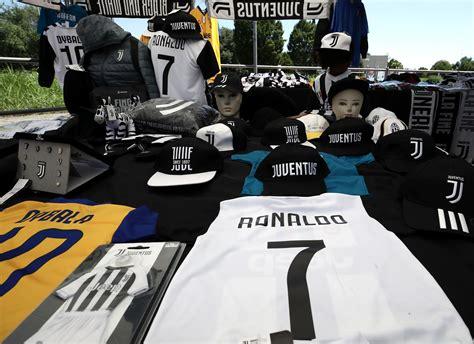 ronaldo juventus gear كم تبلغ قيمة قميص رونالدو الجديد مع يوفنتوس goal