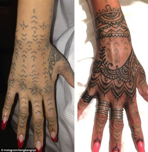 henna tattoo op je hand rihanna flies artists 1 500 to spend 11