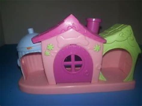 littlest pet shop dog house lot littlest pet shop dog house with polar husky collie and boxer puppy dog on popscreen