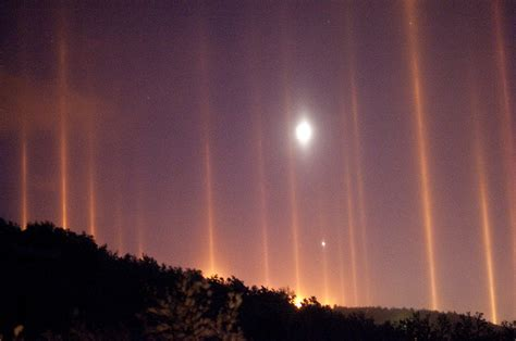 light pillars light pillar nature s beautiful special effect kuriositas
