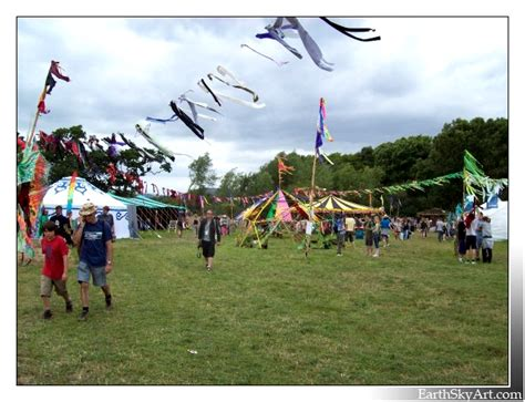themes props glastonbury glastonbury green futures field 2008 earth 194 183 sky 194 183 art