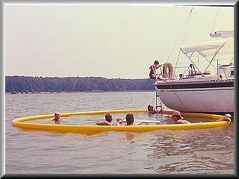 boat with no swim platform nettle net boat pool launching and retrieving with no