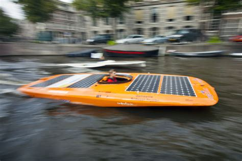 car boat race amsterdam sail amsterdam innoveert met solar boat race de betere