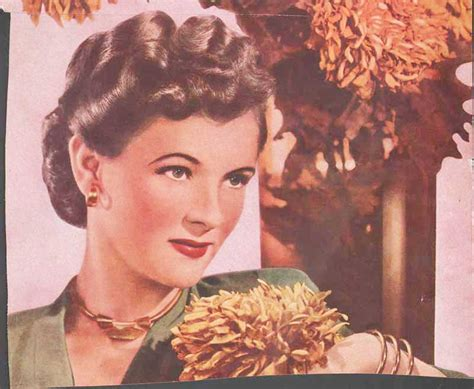 1940 back sides hair styles 1940 s hairstyles the sidesweep craze 1945 glamourdaze