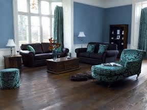 Blue Swivel Chair Living Room Design Ideas Aranżacja Wnętrza Z Ciemną Podłogą Dobieramy Kolory ścian I Mebli Domzone
